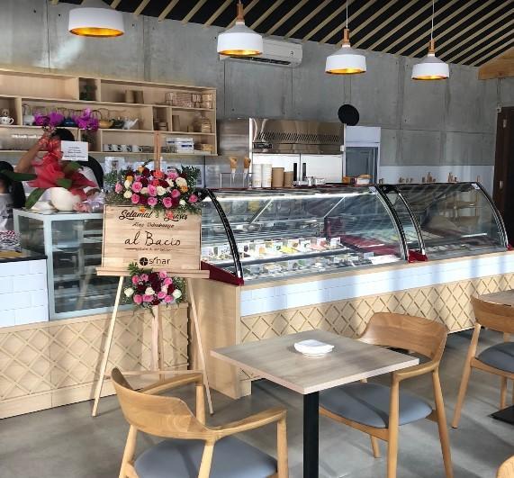 Al Bacio Gelato & Cafe