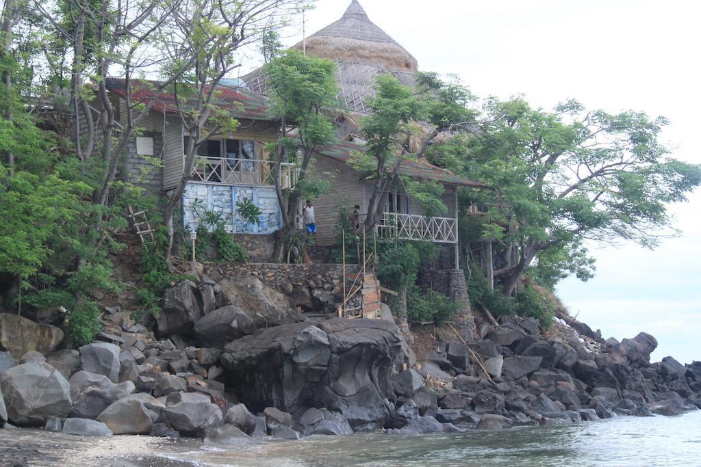 Imbuh Villa & Resto Amed