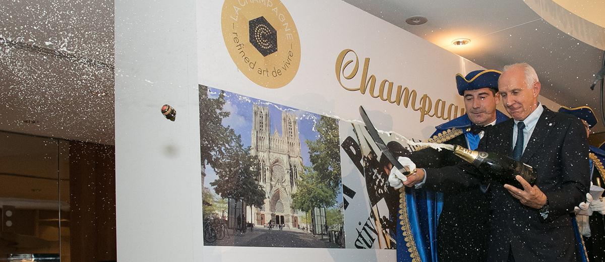 les-awarded-the-confrerie-des-sacres-de-la-champagne