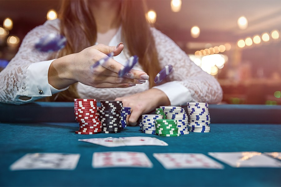 Reasons Why People Are Comfortable with Online Casino Outlets
