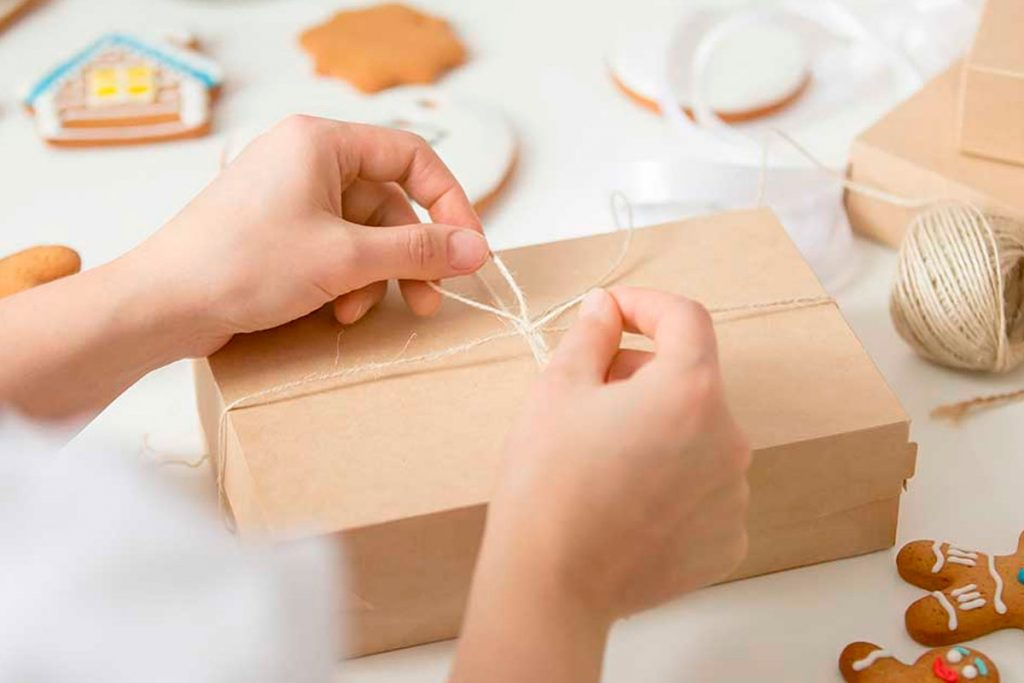Kraft cardboard wrapping