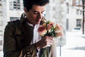 men like flowers