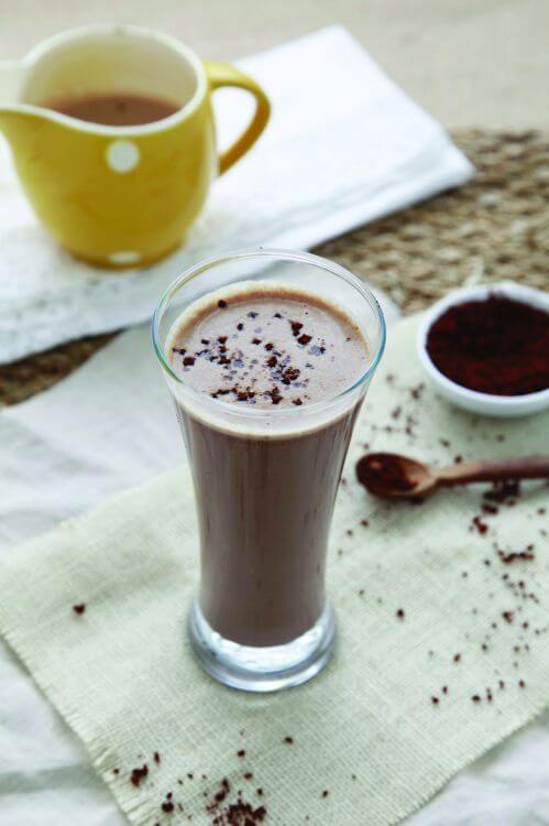 Chocolate-Frappe smoothie healthy man